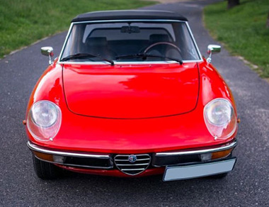 Alfa Romeo Duetto Spider for rent, find out more