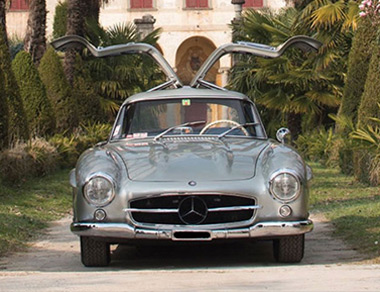 Mercedes-Benz 300 SL Gullwing for rent, find out more