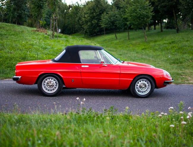 Rent a Alfa Romeo Duetto Spider in Milan, Florence, Zurich, Como