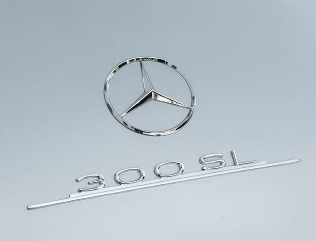 Rent a Mercedes-Benz 300 SL Gullwing in Milan, Florence, Zurich, Como