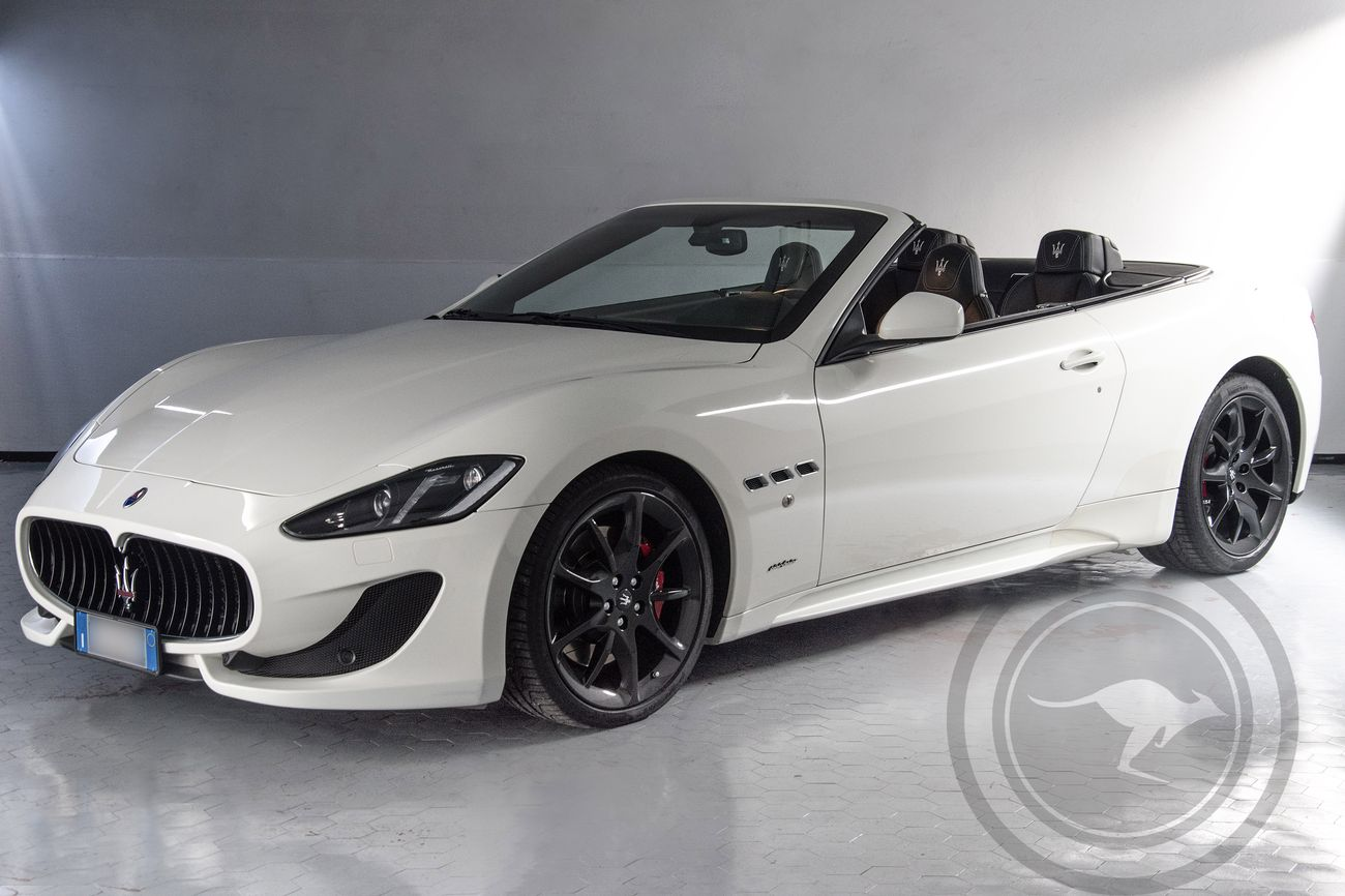 rent maserati grancabrio sport stradale. Black Bedroom Furniture Sets. Home Design Ideas