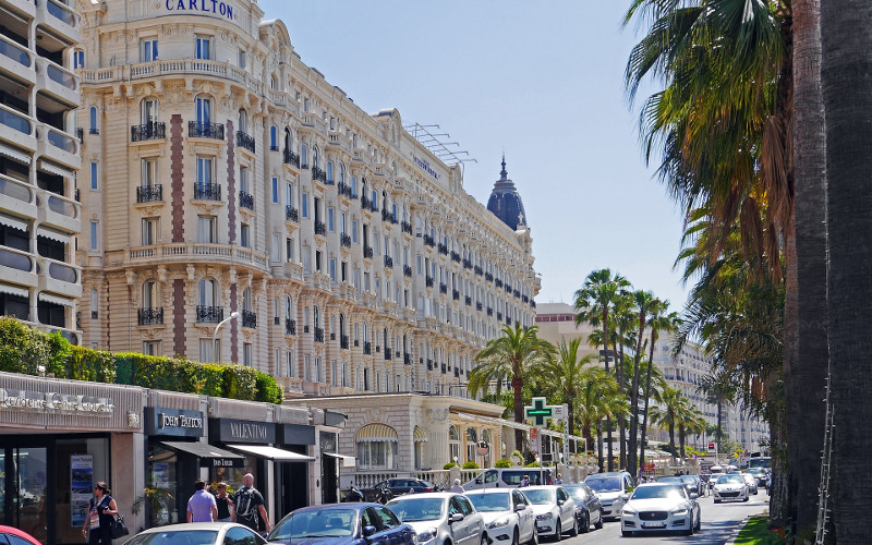 Rent a car in Cannes